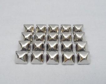50 Silver Half Inch (12mm) Pyramid Studs