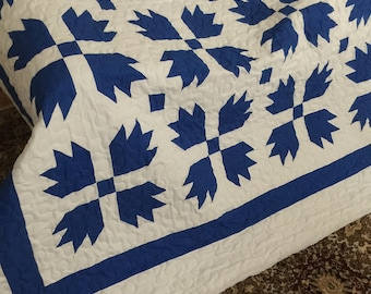 Quilt Bears Paw/Goose Tracks Blue and White Queen