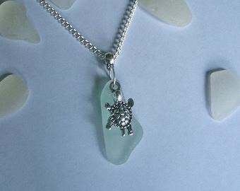 Beach glass jewelry Sea turtle necklace. Sea glass jewelry.