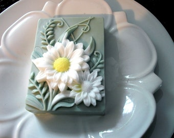 DAISY FLOWER SOAP, Custom Scented, Daisies, Flower Soap, Garden Soap, Dimensional Daisies Soap