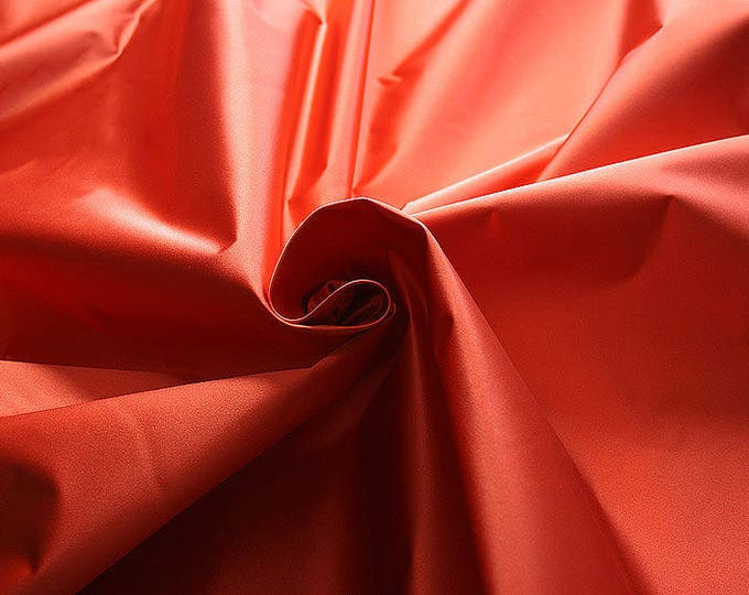 276109-natural silk satin 100%, 135/140 cm wide, manufactured in Italy, dry cleaning, weight 180 gr, price 1 meter: 133.89 Euros