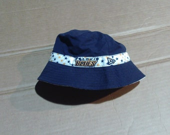 St.Louis Blues Reversible Bucket Hat - Youth one size fits all
