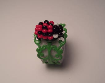 Adjustable ring green, little Ladybug with seed beads, black and Red