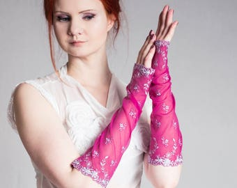 Bridal gloves, Fuschia pink gloves, pink gloves, bridal arm warmers, Lace gloves, Embroidered wedding gloves, Lilac embroidery pink lace