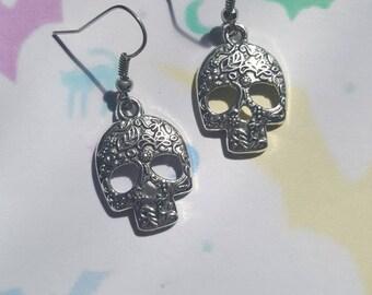 Skull earrings, Halloween earrings, Alternative jewellery, Punk jewellery, Dangle earrings, Halloween, Skeleton, Skull, Horror, Gothic