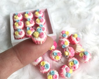 Miniature Cupcake 10 pcs.,Miniature Cake,Miniature Bakery,Miniature Sweet,Dolls house cake,Dolls and miniature,miniature jewelry