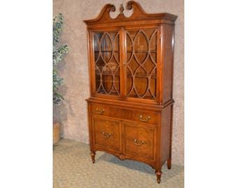 Vintage Traditional Style Two Door China Cabinet