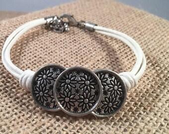 Flower Button Leather Cord Bracelet, Leather Bracelet, Button Jewelry