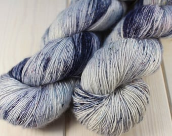 Skein dyed - Fingering - Single - superwash Merino & silk - 100 g / 400 m - faded
