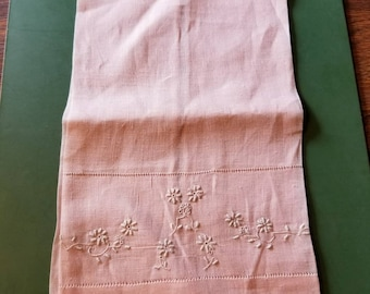 60s pink handtowel with lace trim