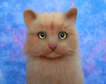 Needle Felted Cat. Red Felted Cat.  Kitten. Custom Cat Portrait. Yellow Eyes. Pet.Felted Animal. Made to Order.