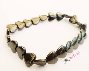Elastic bracelet made with Hematite hearts