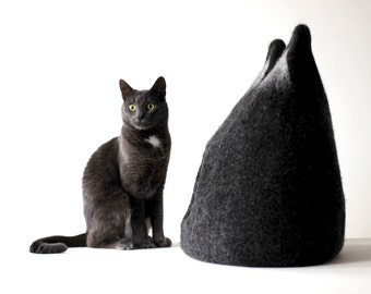 Cat bed - felted wool cat cave - charcoal gray/ dark gray cat bed - made to order - unique giftt - gift for pets - cat house - cat cocoon