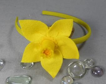 Daffodil  Headband Made-To-Order- Yellow flower Felt Headband, Hard Headband, Baby Headband, Girls Headband, Womens Headband, Flower  Band