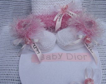 designer ribbon hat booties bib set
