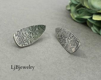 Silver Textured Dangle Earrings, Silver Drop Earrings,  Sterling Silver, Metalsmith,  Handmade Jewelry, Silver Jewerly, Artisan Jewelry