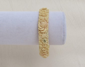 Vintage celluloid bracelet with floral pattern, faux ivory bangle with roses and daisies