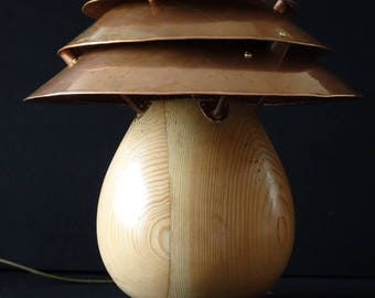 Pot Belly Table Lamp (Female)