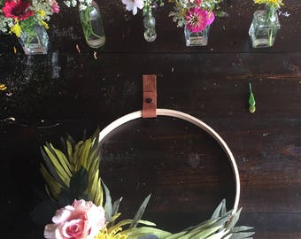 "16"" Modern Wreath"