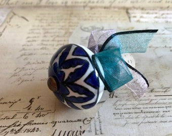 Wine Bottle Stopper With Blue Design-Wine Gifts