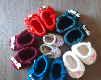 Baby Mary Janes/hand-knitted shoes