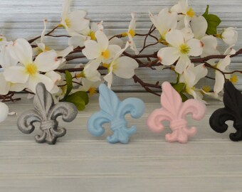One Fleur-De-Lis  Drawer knob. Fleur-De-Lis Knob. Dresser Knob. Furniture Knob. Victorian Knob. FDL Knob. Cabinet Knob