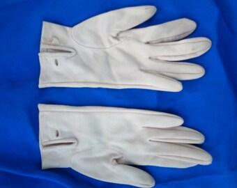 Vintage fawn color Ladies Elegant one button adorned Gloves  - 50s - 60s