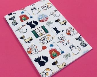 "Notebook ""12 Cats"""