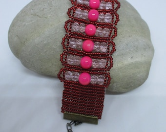 Succulent Heat pink and red loom beaded bracelet - One of a Kind