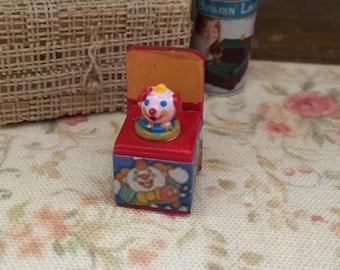 Miniature Jack in Box, Mini Toy, Dollhouse Miniature, 1:12 Scale, Dollhouse Accessory, Decor, Crafts, Topper