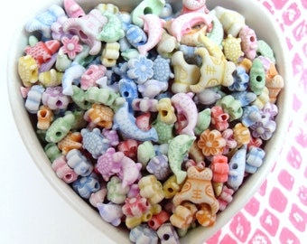 150x 6-14mm Animal and Flower Beads in Pastel Multicolours