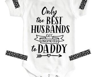 Only The Best Husbands, Husband Pregnancy Announcement, Pregnancy Announcement To Husband, Announcement Ideas, Pregnancy Reveal To Husband