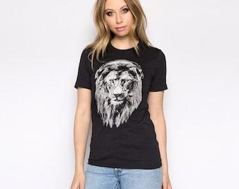 Lion T-shirt, Women's Shirt, Animal Print Tshirt, Lion T Shirt, Graphic Tee, Gift for Women, Short Sleeve Tshirt
