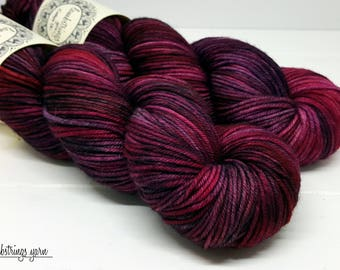 Ewetopia DK, Hand dyed yarn, Superwash Merino Wool, 231 yds/ 100g: Rosario.