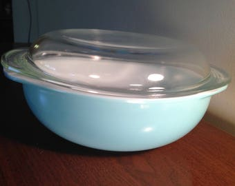 pyrex 024 aqua turquoise casserole with lid