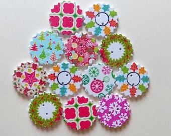 12 Wooden Christmas Buttons  -  Wreath Buttons - #C-00013