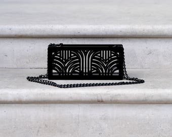 Jupiter clutch in black