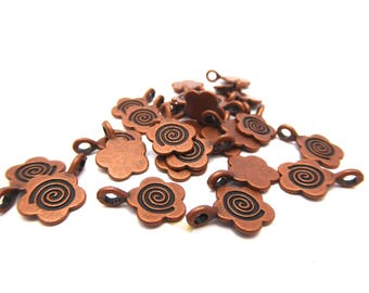20 flower charms antiqued copper 15mm x 11mm