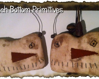 ePattern~Primitive Winter Extreme Snowman Hangers, Sewing Pattern PDF Peach Bottom Primitives
