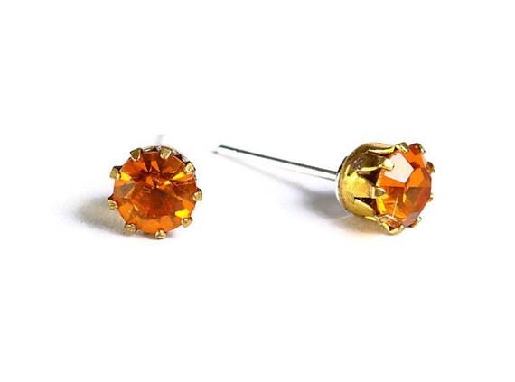 Estate style topaz brown orange rhinestone crystal hypoallergenic stud earrings (485)