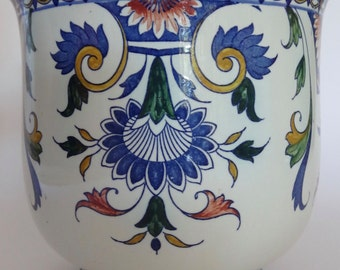Blue and white Gien faience plant holder Rouen style, Renaissance style circa 1860