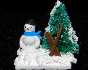 Dollhouse/Miniature Snowman Scene