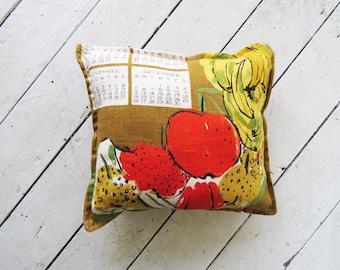 Vintage Calendar Pillow // Green and Yellow 1960's Decorative Pillow // Vintage Home Decor