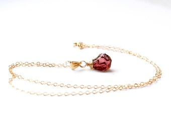 Raw Garnet Necklace, Gold Raw Garnet Pendant, Rhodolite Garnet January Birthstone, Raw Stone Necklace Gold, Dainty Raw Crystal Necklace