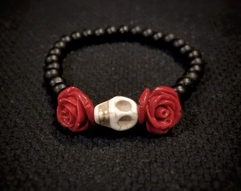 Sugar Skull and Rose Beaded Bracelet, Sugarskull Bracelet, Women's Skull Bracelet, Day of the Dead, Gothic Jewelry
