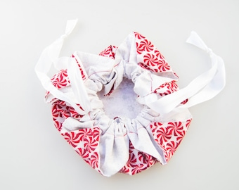 Peppermints and Snowflakes Chrsanthemum Bag