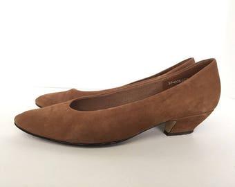 Vintage East Avenue Brown Suede Pointed Toe Pump Size 10