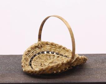 Miniature flower basket/trug - 1:12th scale