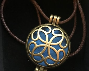 "aromatherapy essential oil diffuser necklace ""Bronze Celtic"""