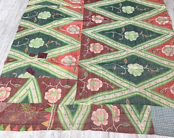 Vintage Kantha Quilt/Bedspread/throw/Rug/Embroidery/Boho Chic